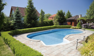 5 Important Rules for Any Apartment Pool