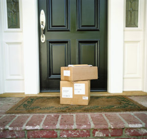 4 Easy Ways to Avoid Porch Pirates on Your Apartment