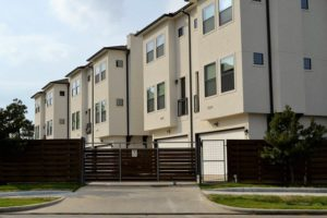The Top Reasons to Rent an Apartment Instead of Buying a House