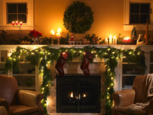 How to Properly Decorate Your Apartment for the Holidays